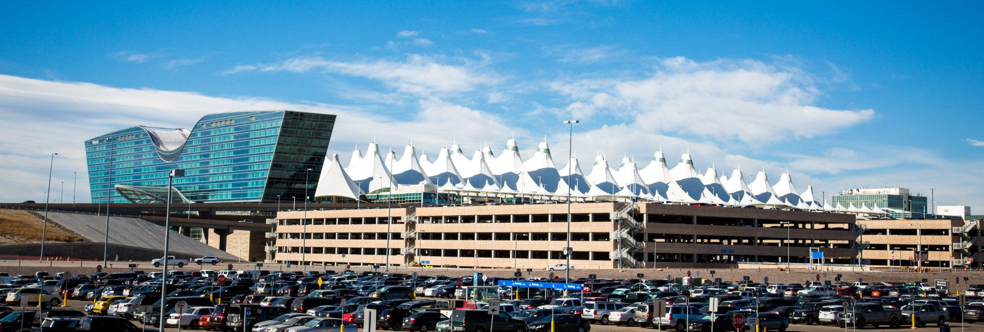 Pikes Peak Parking >> About Parking Denver International Airport