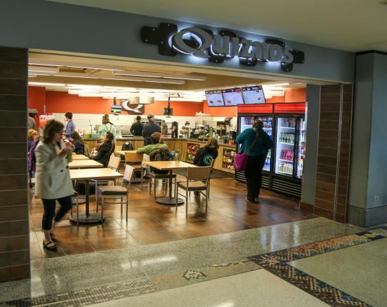 Quiznos Denver International Airport